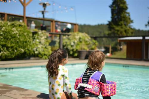 Gallery Image Kids_at_pool_-_Dan_Tarnow.jpg