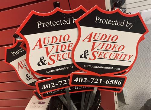 Gallery Image Audio_Video_Security_signs.jpg