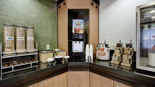 Gallery Image satbo-breakfast-0044-hor-wide.jpg