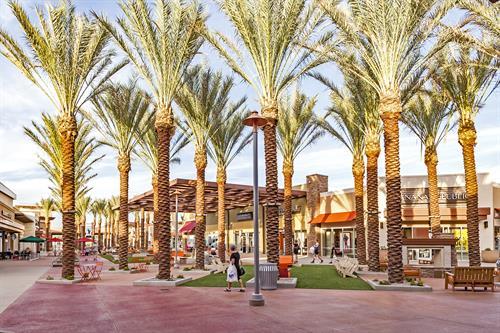Gallery Image Tucson_Premium_Outlet_-_11.jpg