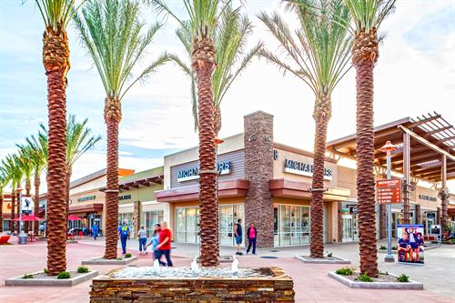 Gallery Image Tucson_Premium_Outlet_-_24.jpg