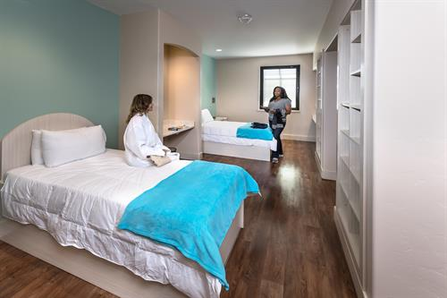 Gallery Image Malena_and_Shanez_PT_room.jpg