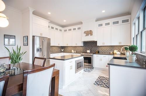 Gallery Image Mannahrett_kitchen.jpg