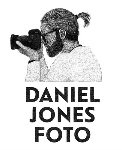 Gallery Image daniel-jones-white.jpg
