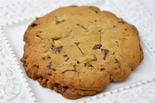 Huascar & Co. Bakeshop Jumbo Chocolate Chunk Cookie