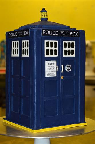 Huascar & Co. Bakeshop Dr. Who TARDIS Cake