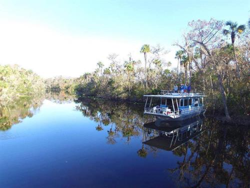 Relax and unwind on the tranquil St. Johns River from the comfort of one of our rental houseboats.