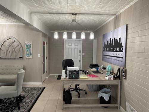 Gallery Image office_pic_2.jpg