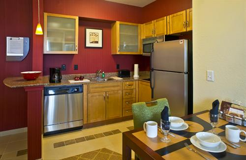 Fully Equipped Kitchens for your dining convenience