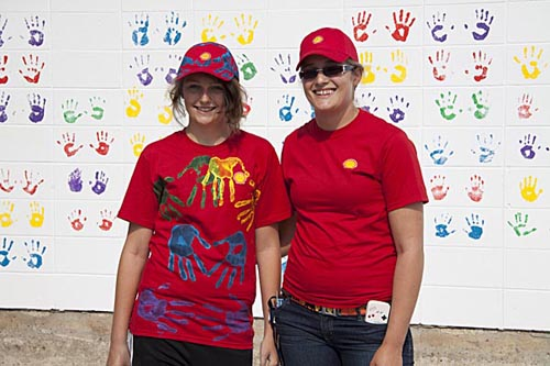One part of Shell Scotford's 2nd Annual Community Appreciation saw the In Good Hands Community Mural created through a partnership with the Fort Saskatchewan Boys & Girls Club.