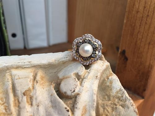 9MM Freshwater Pearl surrounded by Alexandrite in 18K Gold over Silver Size 7