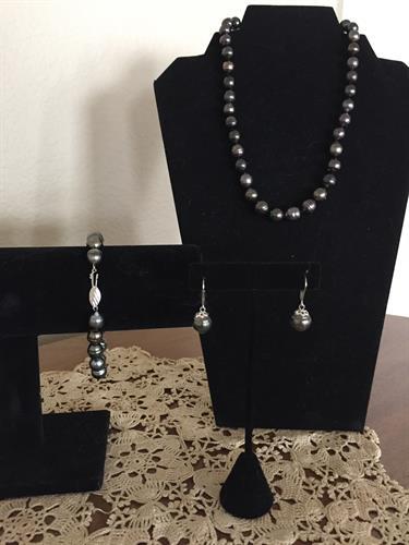 Set of fine Tahitian Pearls