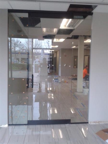 Gallery Image Moules_Glass_door.jpg