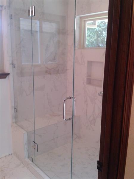 Gallery Image moule's_shower.jpg