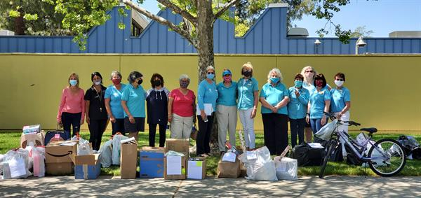 """Soroptimist members participated in """"Shop With a Cop."""""""