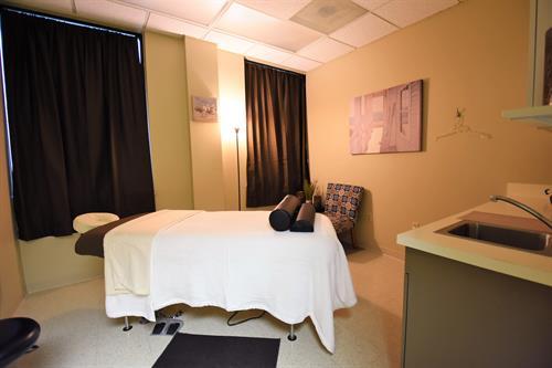 Gallery Image MassageRoom.jpg