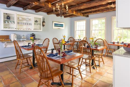 Gallery Image Common_Rooms_-_Dining_Room_800.jpg