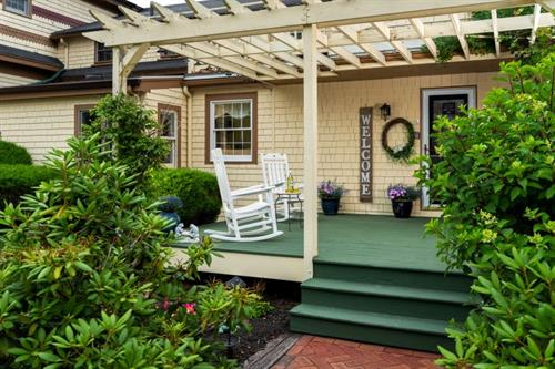 Gallery Image Exteriors_-_Front_Porch_800.jpg