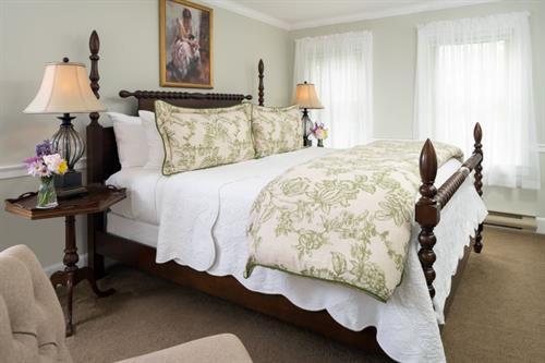 Gallery Image Guest_rooms_-_Sebago800.jpg