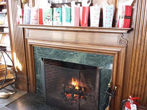 Gallery Image Fireplace.jpg