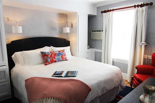 Classic King guestroom
