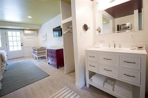 Gallery Image The_Lodge_on_the_Cove_Arrowwood_QQ_Bathroom_Vanity.jpg