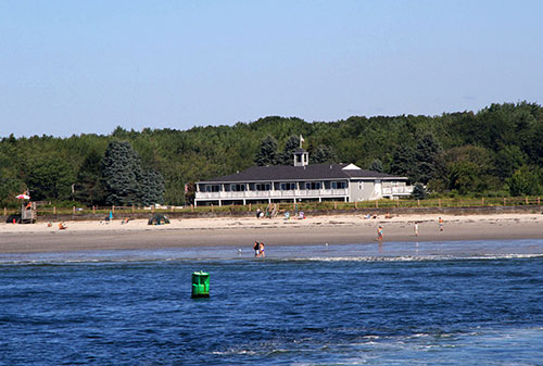 Seaside Inn Directy on Kennebunk Beach