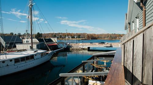 Gallery Image Boathouse-Captain_Suite-201-view_towards_lanigan_bridge.jpg