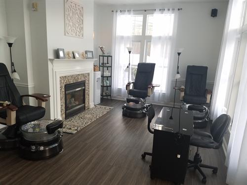 Our nail department can accommodate an intimate service, couples, or parties. Soak beautiful views of the Kennebunk River while you relax and enjoy one of our natural nail care services.