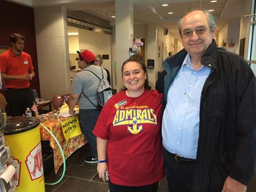 Winchester Mayor, Ed Burtner, visits campus during the SGA Chili Workout event.