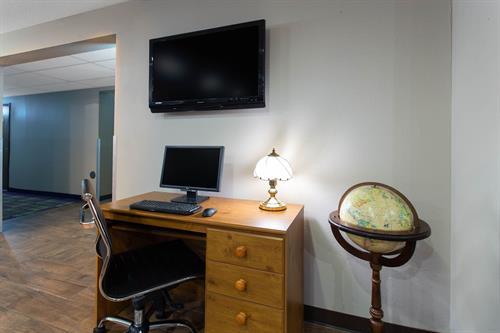 Gallery Image Business_Center1_5_Exposures.jpg