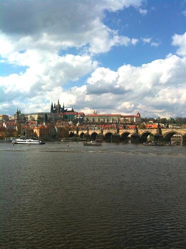 Gallery Image Prague_castle.river.jpg