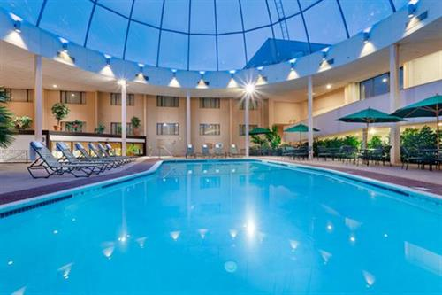 Standard Guestrooms Large Indoor R Pool Red Lion Hotel Cromwell