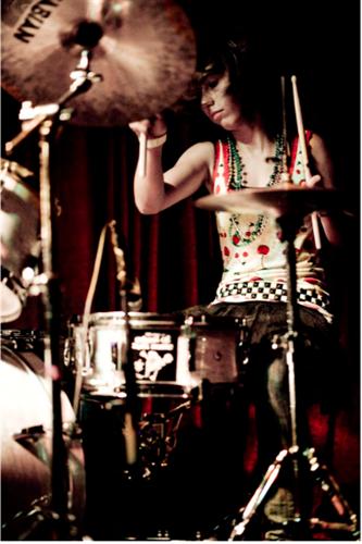 Gallery Image drummergirlcharliehomo.png