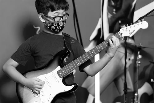 Gallery Image rock_101_guitarCamp-Images-CMS-01.jpg