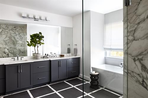 Gallery Image Meridian_Homes_-_Bathroom_Custom_Home_1.jpg
