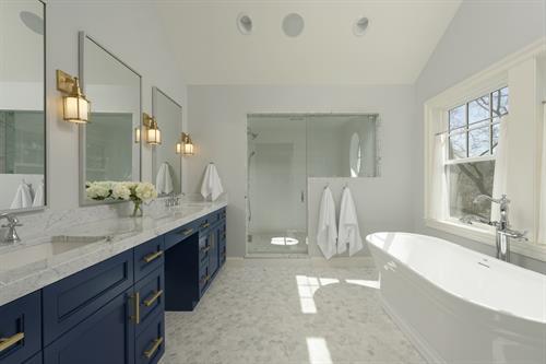 Gallery Image Meridian_Homes_-_Bathroom_Remodel_2.jpg