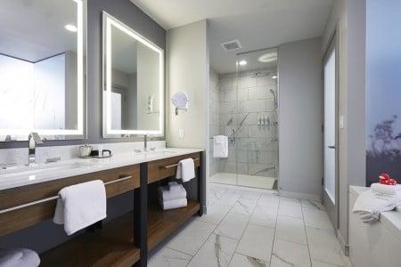 Archer's Den Bathroom