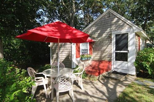 Honeymoon Cottage exterior