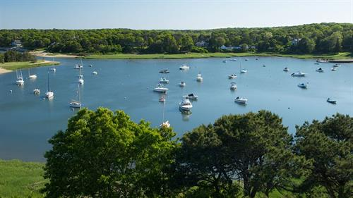 Gallery Image 000415-11-exterior-round-cove-boats.jpg