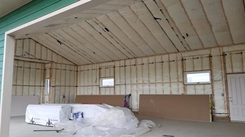 We provide excellent insulation services. New garage construction near Kathryn