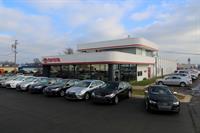 Gallery Image Serra_Toyota_Audi_VW_of_TraverseCity_12-4-15_1.jpg