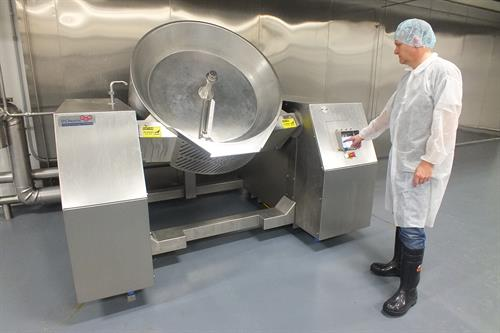 Automated tilting Wok cooking system for smaller 250lb batches