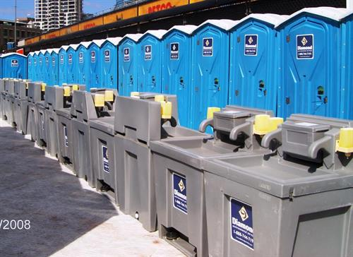 Gallery Image Event_Portable_Restrooms_and_Sinks.jpg