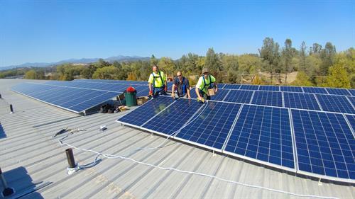 73kW commercial rooftop, Redding CA - Installation Team