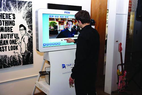 TapSnap Guest with Kiosk