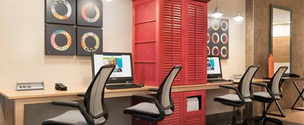 Gallery Image HT_businesscenter01_15_990x410_FitToBoxSmallDimension_Center.jpg