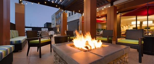 Gallery Image HT_outdoorfirepit01_21_990x410_FitToBoxSmallDimension_Center.jpg