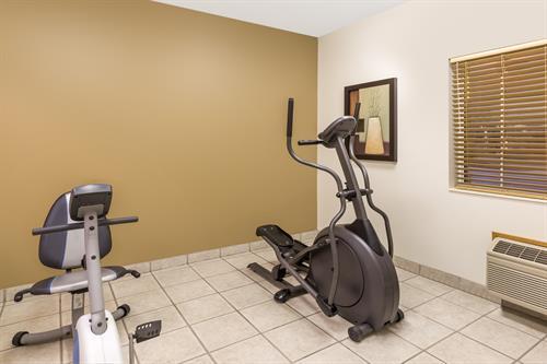 Gallery Image FitnessCenter1.jpg