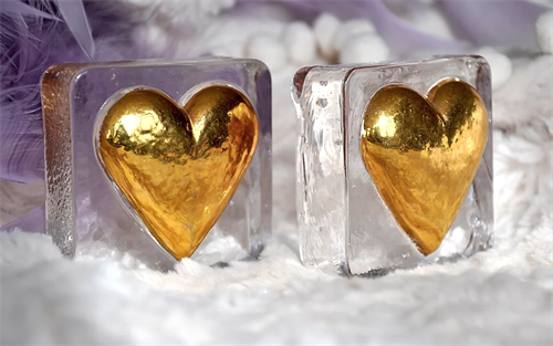 Our Puffy Hearts in gold